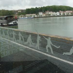 Un arrêt de bus customisé à la mode basque