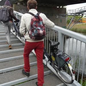 Comment prendre les escaliers avec un vélo !